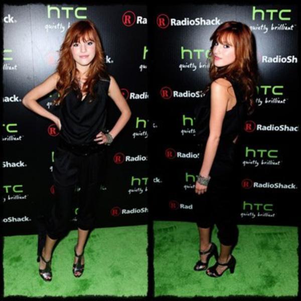 """Le 23 juin, Bella Thorne à Radio Shack HTC EVO 3D Launch Party ! =) Sa tenue est vraiment Sublime, Pour moi c'est unTOP & pour toi TOP ou FLOP ? Découvrez aussi la vidéo """"WATCH ME"""" pour Disney channel, Shake it up ! =) Vous en pensez quoi du Clip et de La Musique ? ♥♥"""