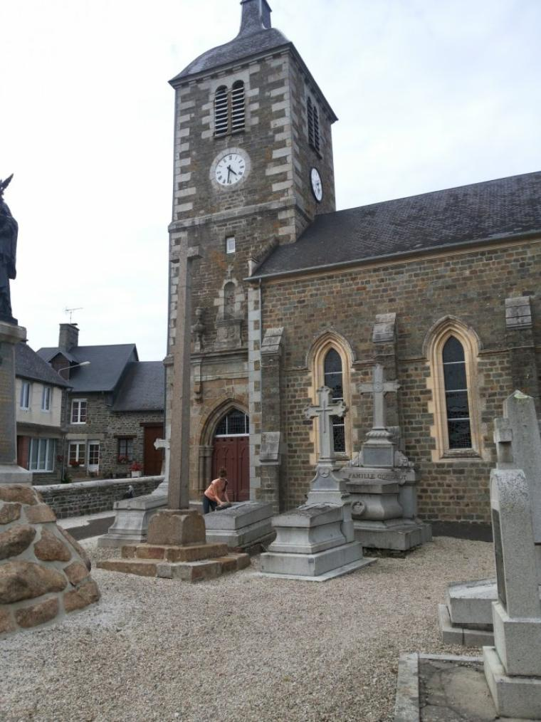 l eglise st Jean Baptiste à St Jean de Côle