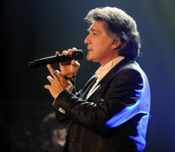 Frédéric François, pour toujours leur chanteur d'amour