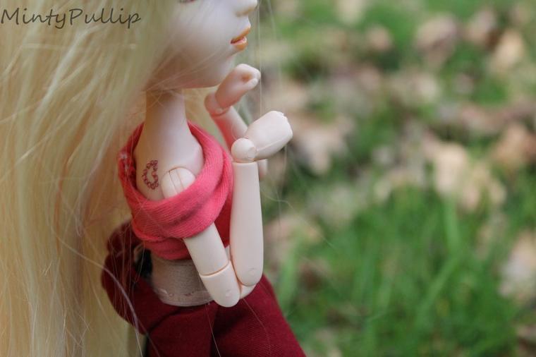 Petite elfe aux yeux dorés