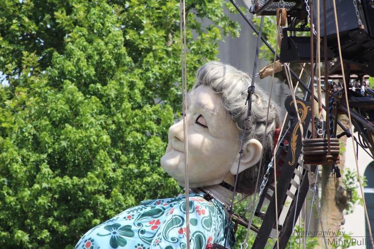 HS Dolls: Royal De Luxe / Le Mur de Planck (2014)