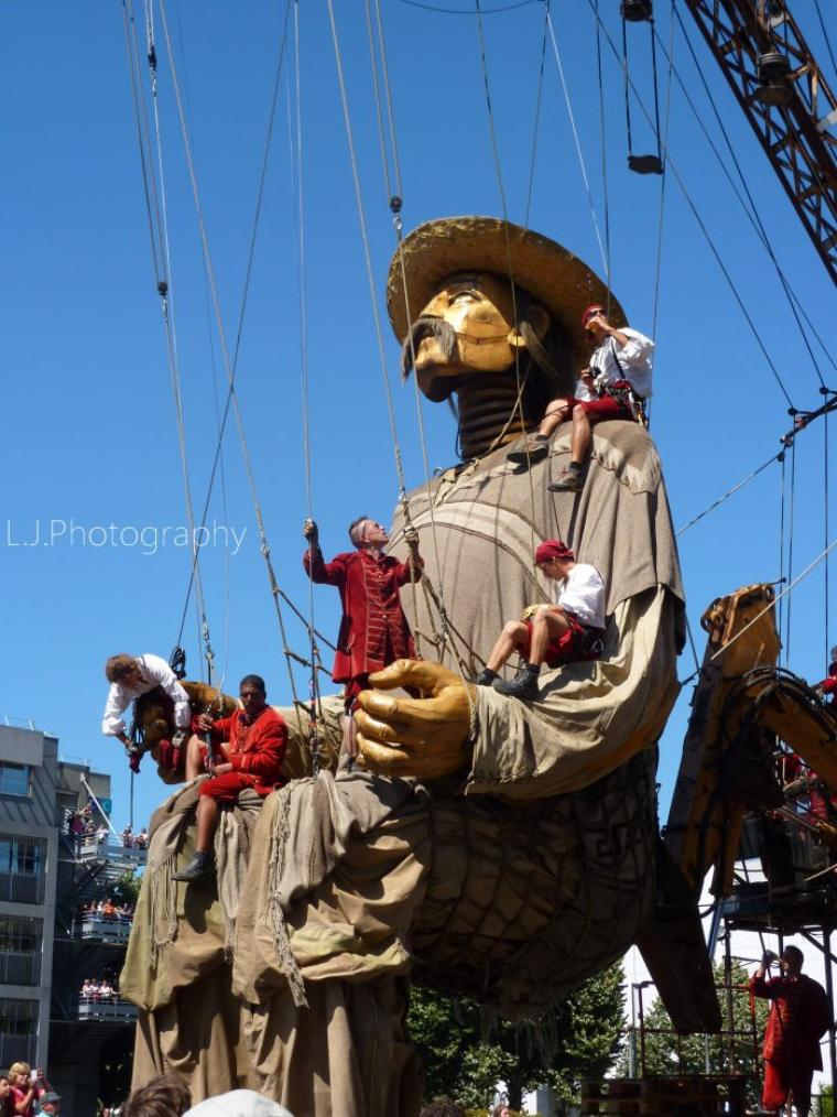 HS Dolls: Royal De Luxe / El Xolo (2011)