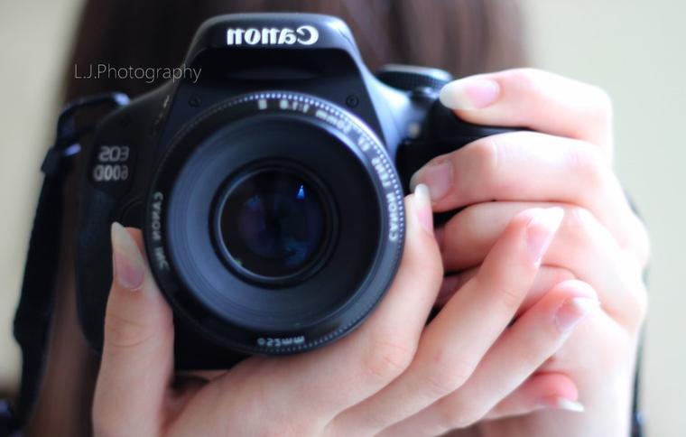 La photographie est un instant qui ne se réfléchit pas, suspendue à une fraction de seconde qui laisse à réfléchir.