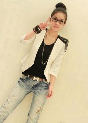 L o v e C l o t h i n g . : Veste militaire blanche à épaulettes noires.   Taille36 &25 fdpc.