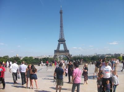 A New York les taxis sont jaunes, à Londres ils sont noirs et à Paris ils sont cons.