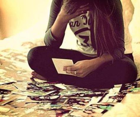 Le manque est un sentiment douloureux. Un sentiment que l'on ne peut chasser qu'en le comblant. Mais lorsque l'objet de ce manque est inaccessible, comment survivre ?