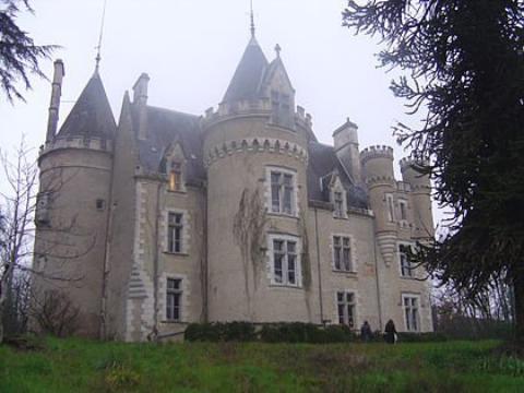 Le château de Fougeret (France-Vienne)