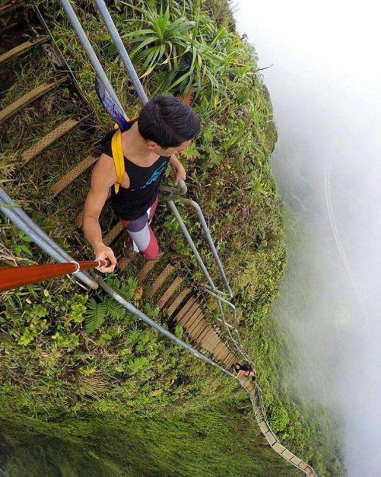 Haiku Stairs, les Marches Vers le Paradis à Hawaii