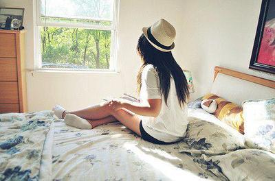 Je me suis perdue à trop chercher le bonheur, je ne suis pas faite pour lui.