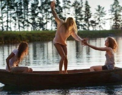 L'amitié, c'est un engagement, une promesse, de la confiance, c'est être capable de se réjouir du bonheur de l'autre.