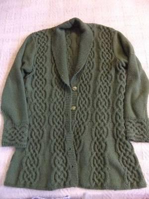 Je ne tricote pas que pour les poupées!