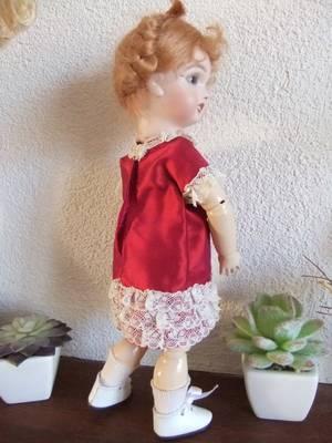 Une robe élégante pour Bleuette!