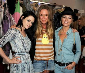 Kristen était au défilé de mode à Londres, le 18 septembre 2011 accompagné de Kate moss :)!
