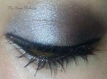 # Maquillage gris