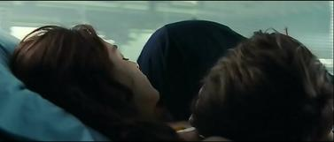 """""""Toi t'as eu plein de filles, pleins d'aventures. Moi j'en ai jamais voulu jusqu'à toi. C'est toi. C'est comme une évidence"""""""