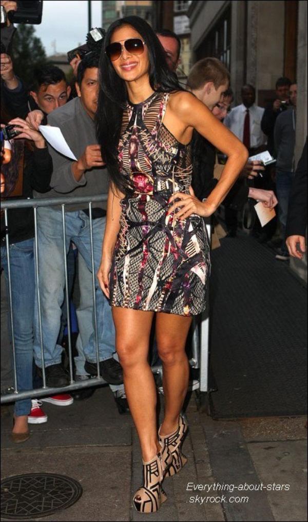 Candid:   Vendredi 28 octobre, Nicole Scherzinger a été aperçue à Radio 1 à Londres