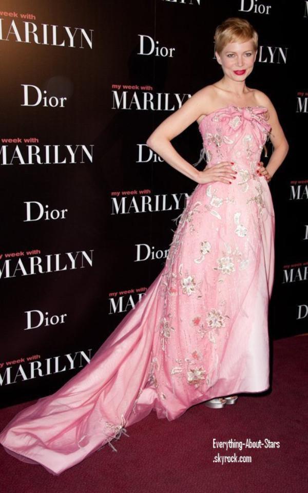 """Evénement: Michelle été à l'avant première de  """"My Week with Marilyn"""" à Paris   le 15 Février 2012"""