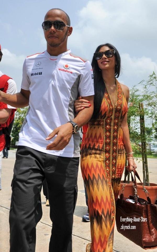 Candid: Nicole Scherzinger à accompagné son chéri Lewis Hamilton pour le grand prix de Malaisie    le 25 Mars 2012