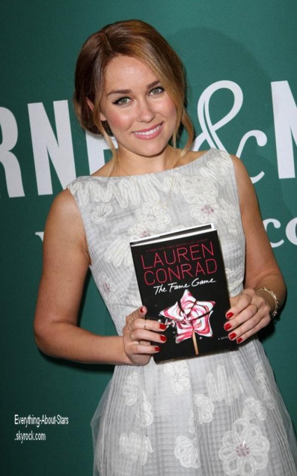 """Evénement: Lauren Conrad a été repérée a une séance d'autographe pour son """"The Fame Game"""" au Barnes & Noble à New York City   le 3 Avril 2012"""