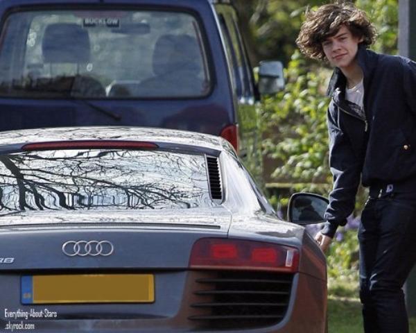 Harry Style des One Direction aperçue a bord de sa nouvelle audi R8 à Alderley Edge, au Royaume Uni   le 29 Avril 2012