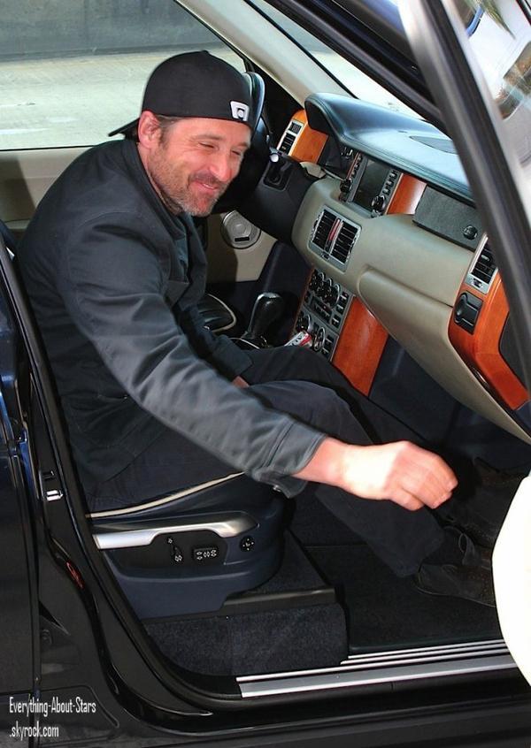 Patrick Dempsey a été repérée sortant de l'aéroport de LAX à Los Angeles    le 7 Mai 2012