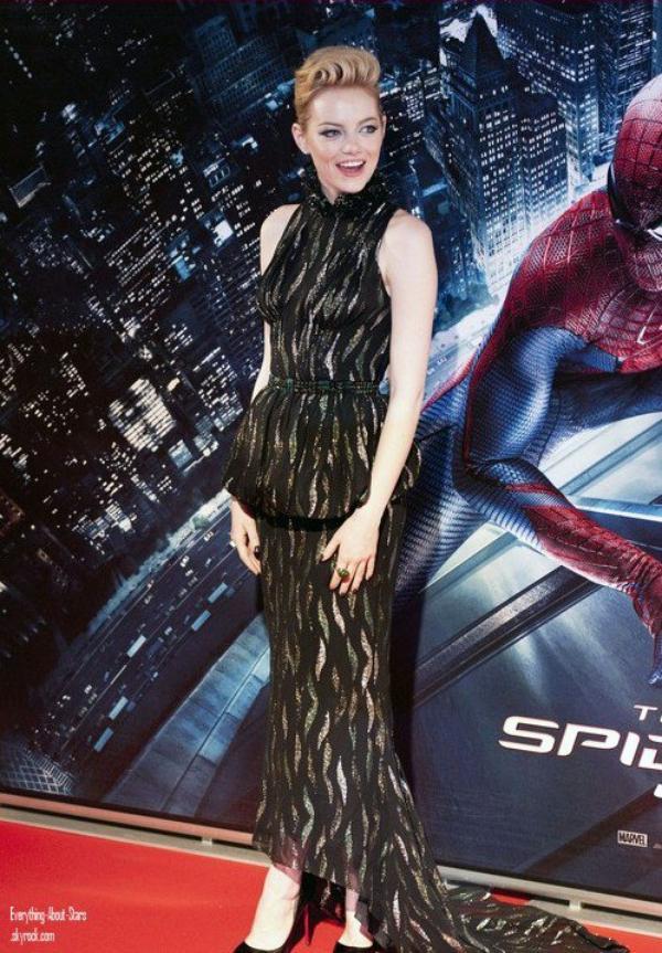 """Emma Stone et son boyfriend Andrew Garfield ont assisté à la première de leur film """"The Amazing Spider Man"""" à Rome  le 23 Juin 2012"""