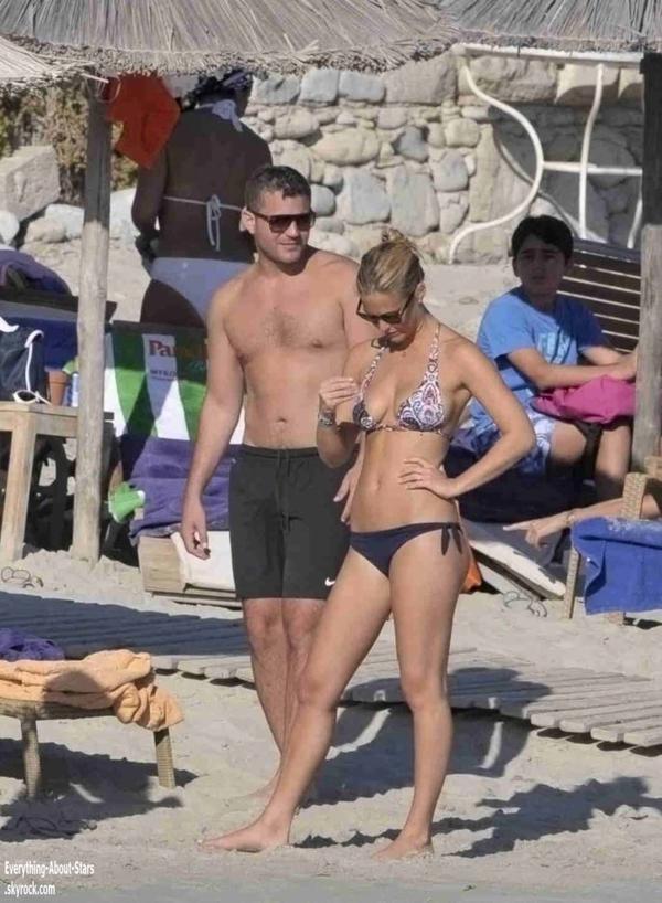 Bar Rafeali a été repérée en vacances en Grèce    le 29 Août  2012