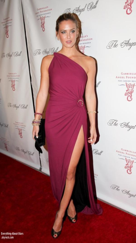 Irina Shayk, Bar Rafaeli et Kim Kardashian été au Gala Angels Ball 2012 à New York    le 22 octobre 2012