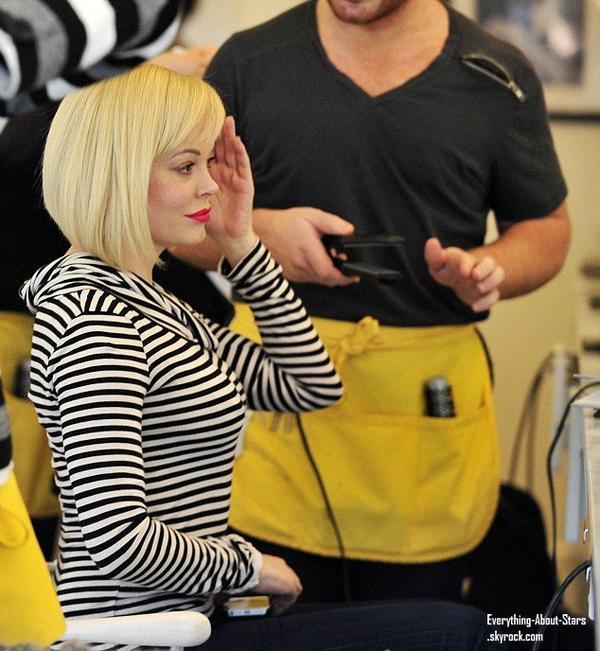 Rose Mcgowan aperçue dans un salon de coiffure à West Hollywood.   Le 15 Janvier 2013