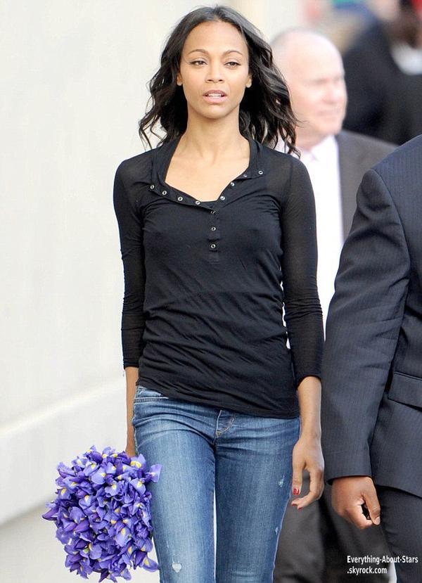 Zoe Saldana aperçue dans les rues d'Hollywood  Le 8 Mai 2013