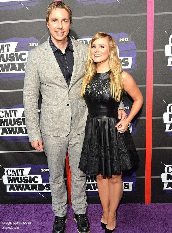 Kristen Bell a assisté aux CMT Awards, accompagné de son mari Dax Shepard qui se sont tenus à Los Angeles  Le 6 juin  2013
