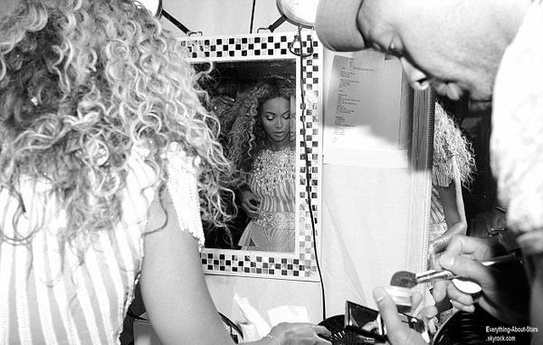Béyonce dévoile des photos en backstage: