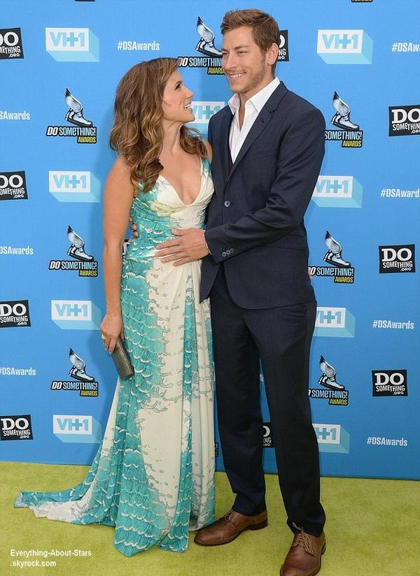 Sophia Bush au Do Something Awards avec son boyfriend Dan Fredinburg à Hollywood   Quel est ta tenue préféré?  Le 31 Juillet 2013
