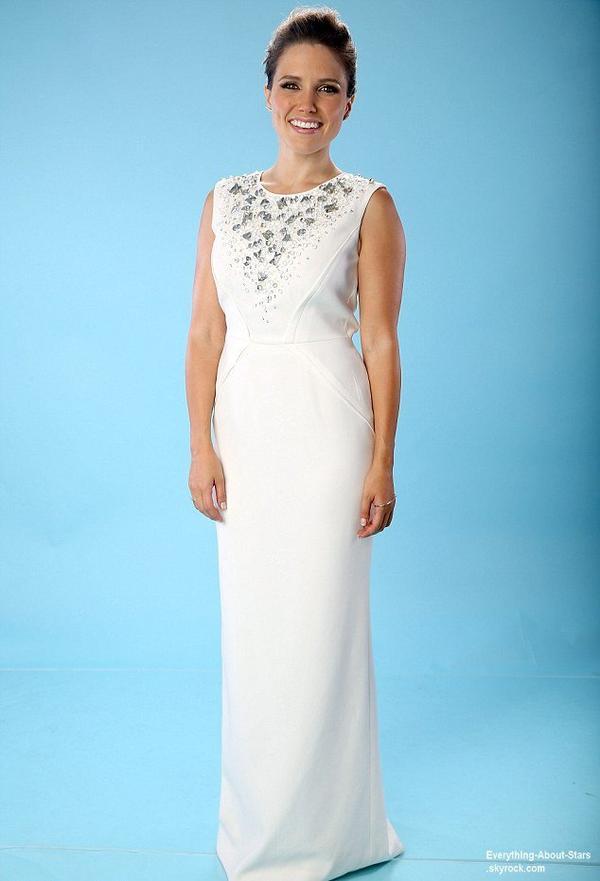 Sophia Bush au Do Something Awards avec son boyfriend Dan Fredinburg à Hollywood   Quel est ta tenue préféré?  Le 31 Juillet 2013