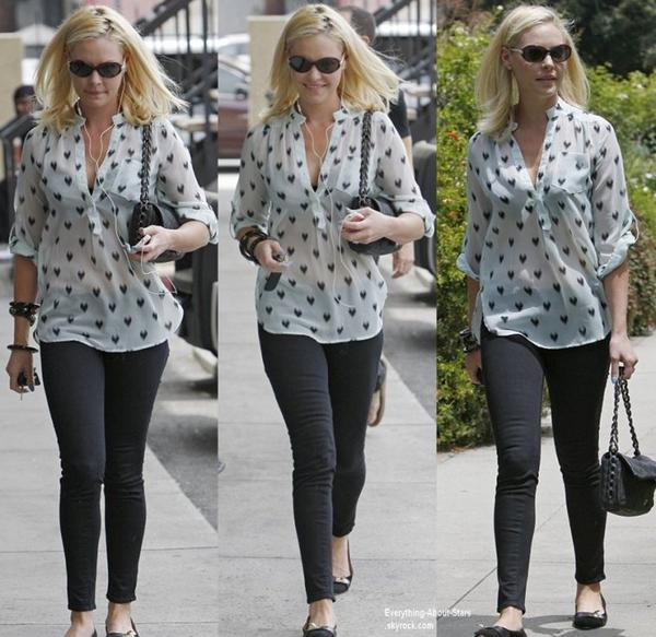 Katherine Heigl aperçue allant déjeuner à Hollywood  Le 2 Août 2013