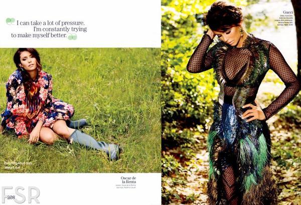 Nina Dobrev en couverture de Cosmopolitan