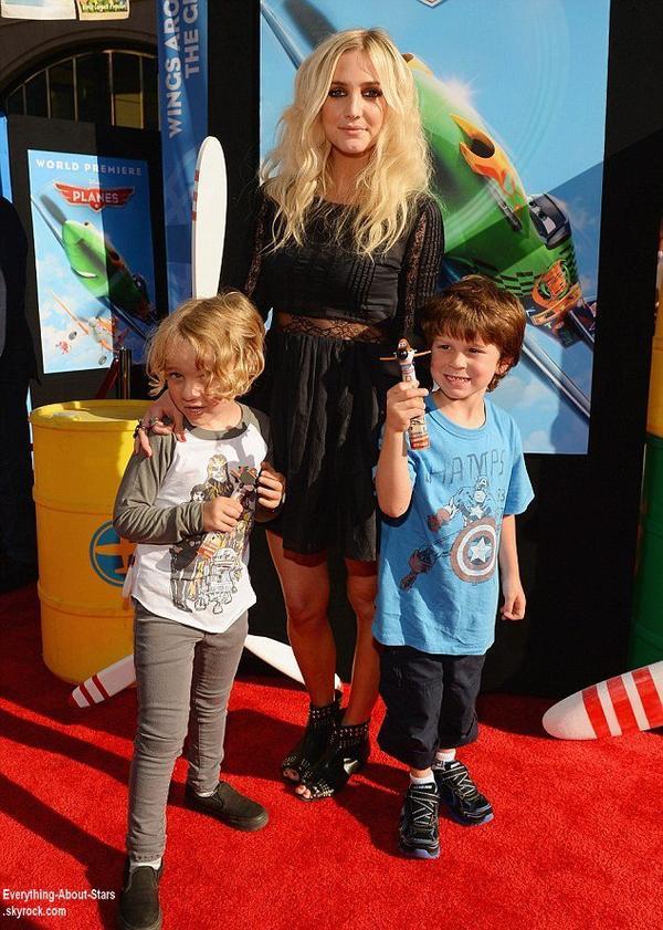 Alyssa Milano, Ashlee Simpson, Kendra Wilkinson, Teri Hatcher et Hilary Duff étaient toutes présentes avec leurs enfants lors de l'avant prémiere du film Planes à Los Angeles  Le 4 Août 2013