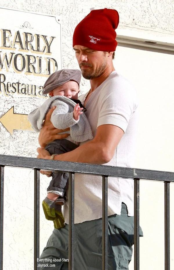 11/01/14: Josh Duhamel repérée avec son bébé Axl, en train de se rendre au Early World restaurant à Beverly Hills
