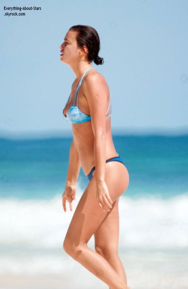 22/01/14: Irina Shayk repérée en vacances sur une plage au Mexique