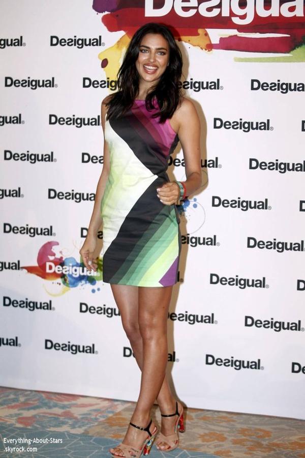 27/01/14: La belle Irina Shayk s'est rendu hier à Barcelone à l'occasion d'une session promo pour la marque Desigual