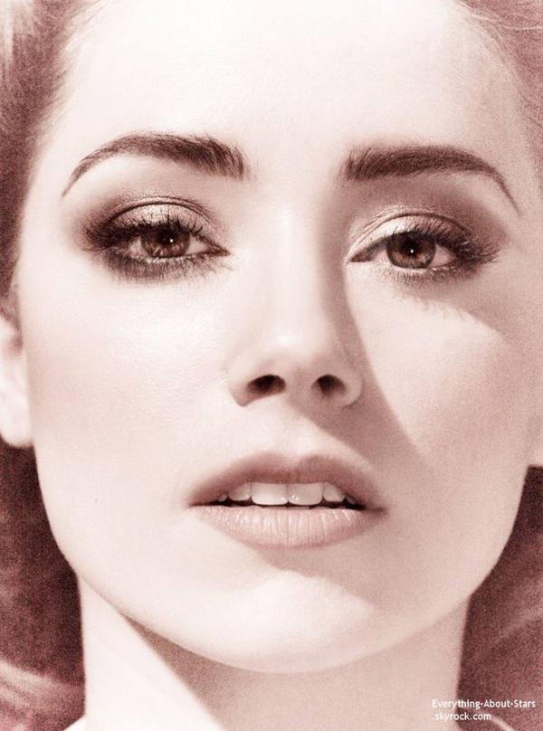 Amber Heard pose pour le magazine VANITY FAIR