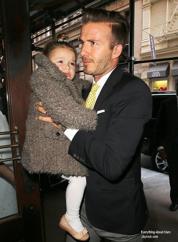 08/02/14: David Beckham et sa famille repérée après la Fashion Week, se rendant déjeuner dans un restaurant dans Soho à New York