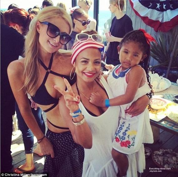 04/07/14: Paris Hilton et Christina Milian repérée lors d'une fête organisé à l'occasion du 4 Juillet à Malibu