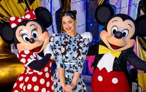 04/07/14: Katy Perry à célébré le jour de l'indépendance à Disneyland en Floride