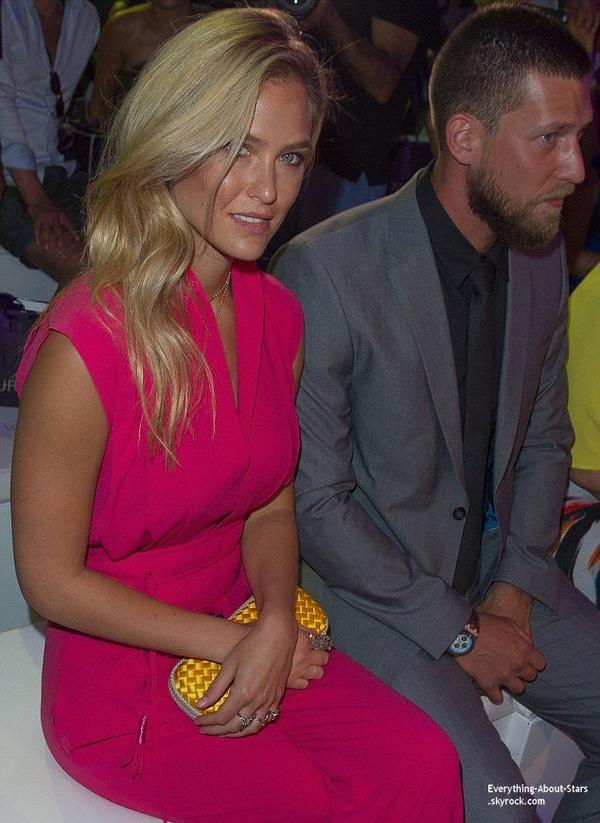 09/07/14: Bar Refaeli aperçue à la Mercedes-Benz Fashion Week à Berlin