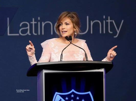10/07/14: Jennifer Lopez s'est rendu à la convention  LULAC/NUVOtv Unity Luncheon  à New York
