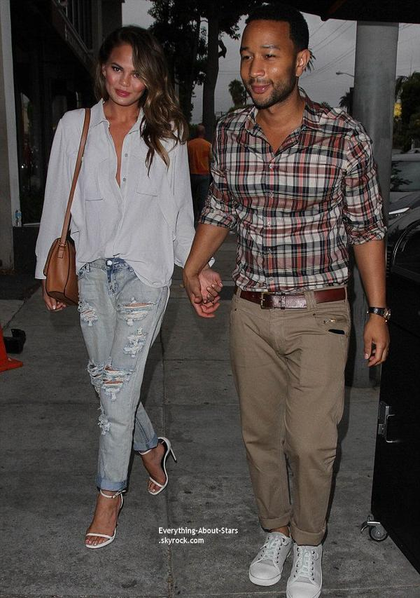 14/07/14: Chrissy Teigen et son mari John Legend aperçue se rendant dîner dans un restaurant à West Hollywood