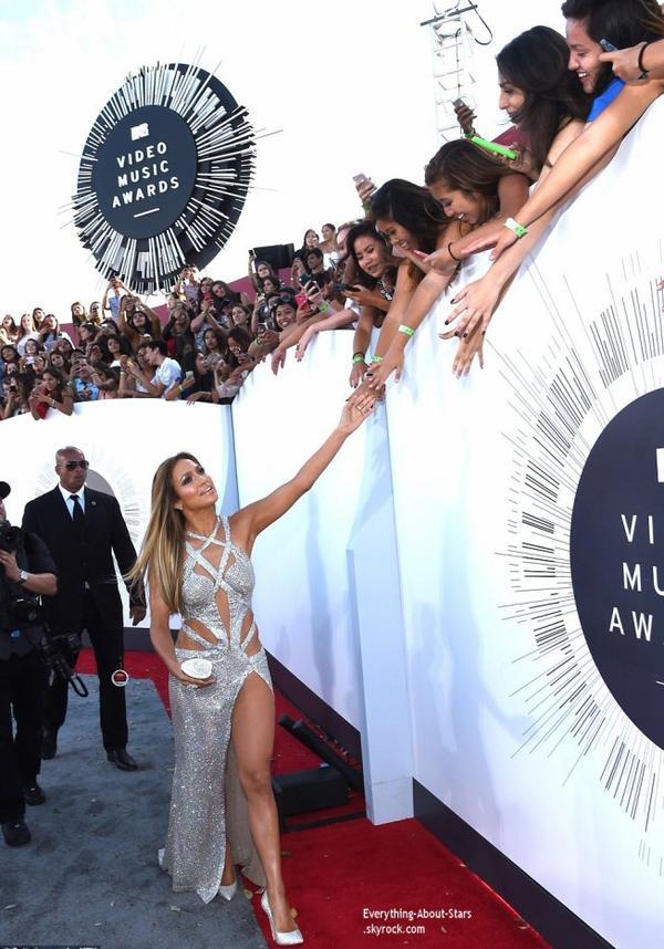 MTV VMA 2014 Red Carpet, Cérémonie, Vidéos, Selfies, Palmares...