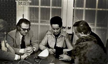 Ed et Lorraine Warren, des démonologues chasseurs d'esprit ?