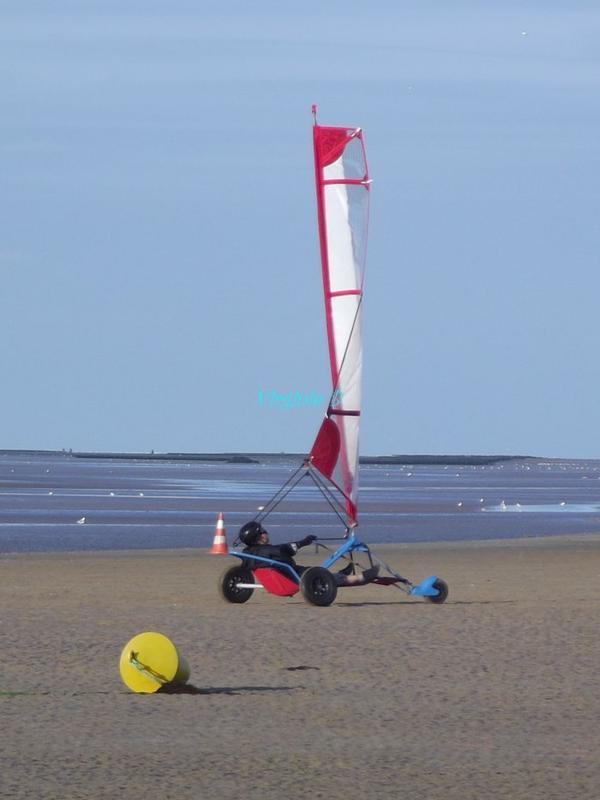 Planche à voile sur sable
